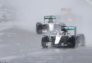 3621741000000578-0-Lewis_Hamilton_won_his_third_straight_British_Grand_Prix_at_Silv-a-18_1468178079334