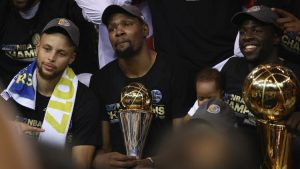 ct-nba-finals-cavaliers-warriors-20170612-003