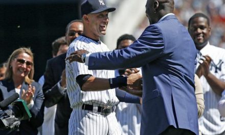 Jeffrey Loria Sells Miami Marlins to Derek Jeter, Michael Jordan Ownership Group