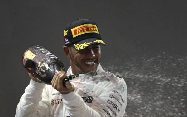 Lewis Hamilton Wins Dramatic Wet-Dry Grand Prix In Singapore, Extends Championship Lead To 28 points.