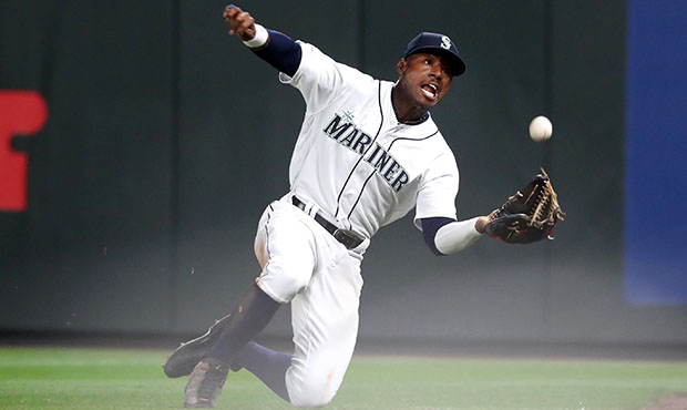 MLB Rookie of the Year: Mariners slugger Kyle Lewis unanimously takes home AL award
