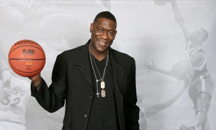 SuperSonics Legend Shawn Kemp Still Draws A Crowd At New Cannabis Shop Opening, With Crowds Extending Around Several Blocks