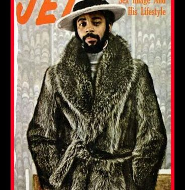 """WALT """"CLYDE"""" FRAZIER, THE GREATEST POINT GUARD OF ALL TIME, THE POINT GUARD """"GOAT"""", 2× NBA champion (1970, 1973) 7× NBA All-Star (1970–1976) NBA All-Star Game MVP (1975) 4× All-NBA First Team (1970, 1972, 1974, 1975), 7× NBA All-Defensive First Team (1969–1975) NBA All-Rookie First Team (1968) NBA 50th Anniversary All-Time Team No. 10 retired by New York Knicks, NIT champion (1967) NIT MVP (1967) No. 52 retired by Southern Illinois Salukis"""
